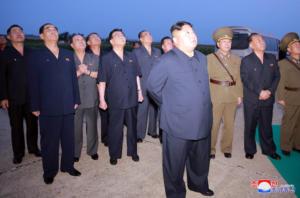 Βόρεια Κορέα: Ο Κιμ Γιονγκ Ουν επέβλεψε τη δοκιμή και νέου όπλου