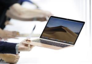 Σάλος! Απαγορεύουν σε επιβάτες να πετάξουν με κάποια MacBook Pro της Apple!