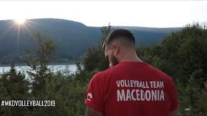 Η Εθνική βόλεϊ ανδρών των Σκοπίων φόρεσε μπλουζάκια που γράφουν Μακεδονία!