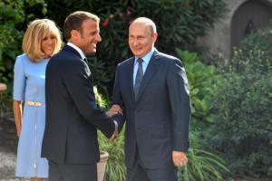 Πούτιν σε Μακρόν: Δεν επιθυμούμε κίτρινα γιλέκα στη Μόσχα