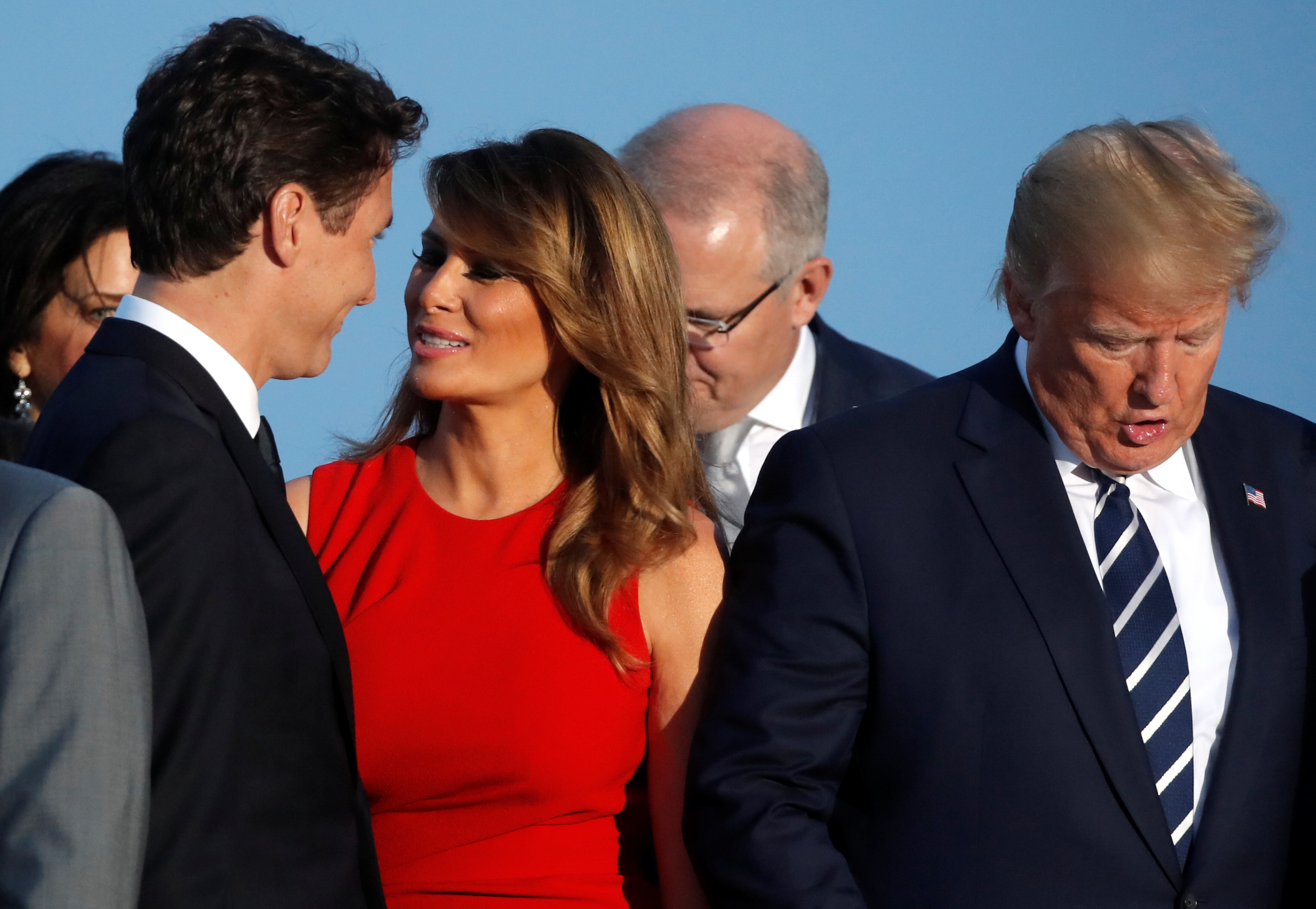 Το φιλί και τα βλέμματα ανάμεσα σε Μελάνια Τραμπ και Τριντό έριξαν το διαδίκτυο