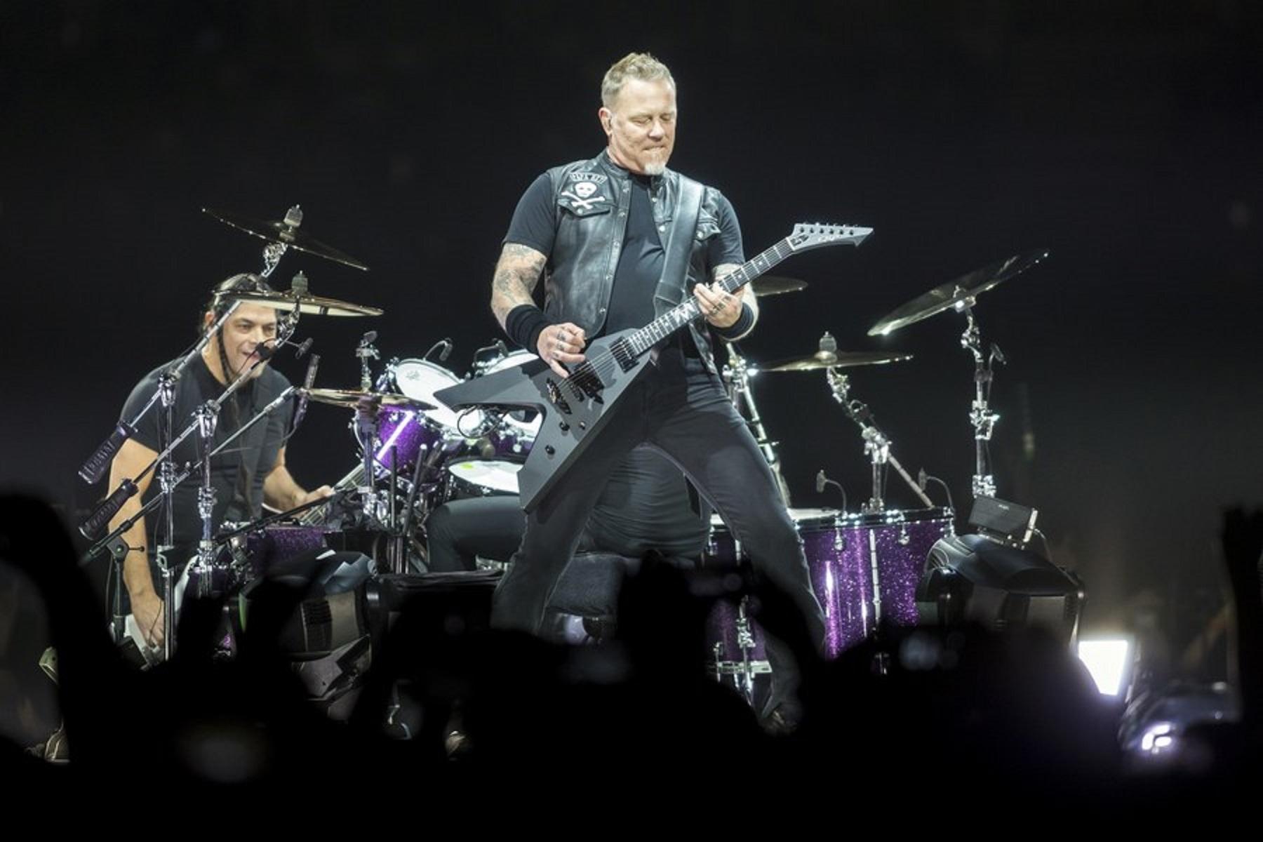 Τεράστιοι Metallica! Δώρισαν 250.000 ευρώ σε ογκολογικό παιδικό νοσοκομείο!