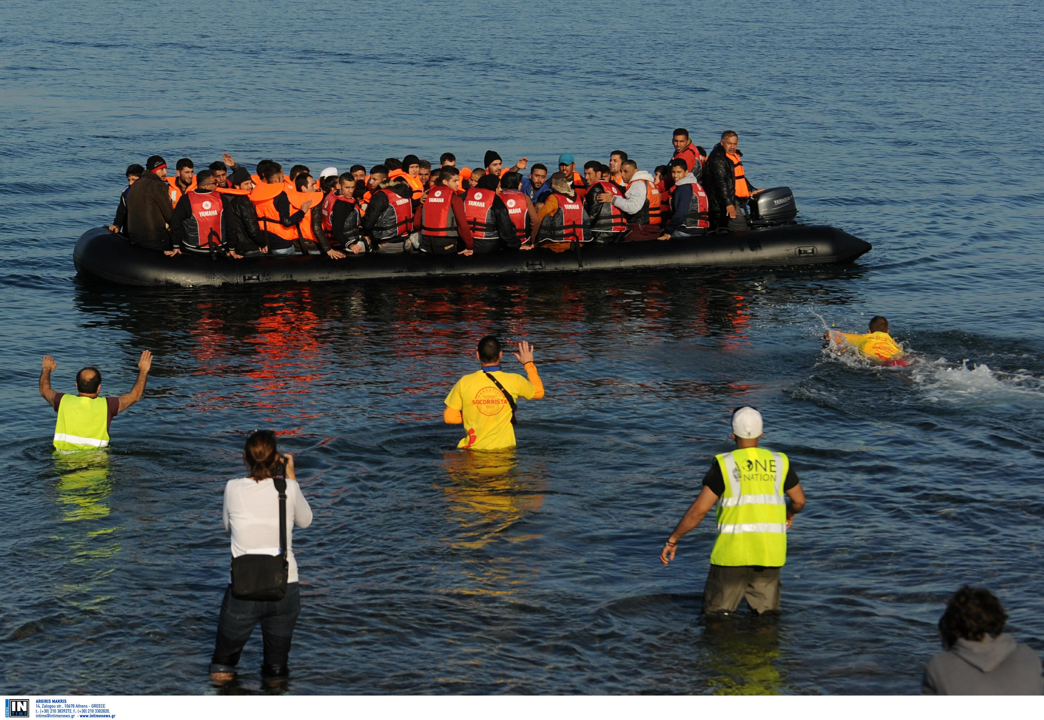 Αυξήθηκαν κατά 25% οι αφίξεις μεταναστών στα ελληνικά νησιά σε σχέση με πέρυσι