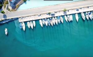 Μέθανα: Η ελληνική ηφαιστειακή πισίνα από θειάφι που χύνεται στη θάλασσα