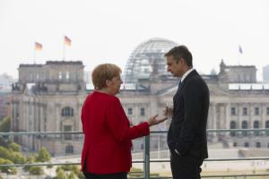 Μητσοτάκης μετά τη συνάντηση με Μέρκελ: Εμείς δεν χρειάζεται να κάνουμε κωλοτούμπα