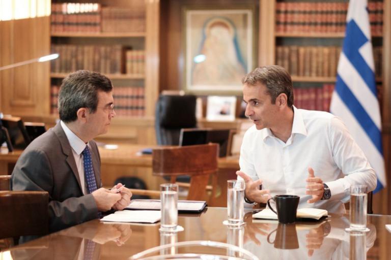 Έκτακτη σύσκεψη Μητσοτάκη – Οικονόμου για τα τροχαία στην Κρήτη