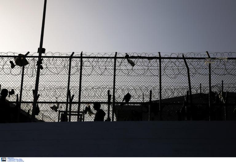 Παραιτήθηκε ο διοικητής στη Μόρια: «Φεύγω επειδή πρέπει να φύγω, κουράστηκα»