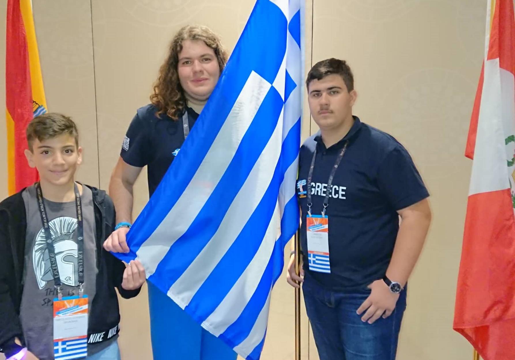 3 Ελληνόπουλα σάρωσαν τα βραβεία στον Παγκόσμιο Διαγωνισμό της Microsoft Office στη Ν. Υόρκη!