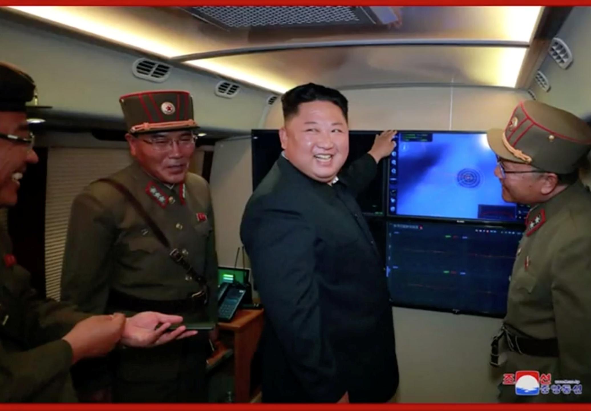 Δεν μπορεί να κρατηθεί! Νέα δοκιμή από τη Βόρεια Κορέα – Εκτόξευσε βλήματα αγνώστων στοιχείων