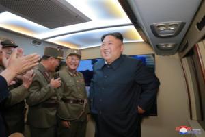 """Ο Κιμ Γιονγκ Ουν """"απειλεί"""": Προειδοποίηση οι νέες δοκιμές"""