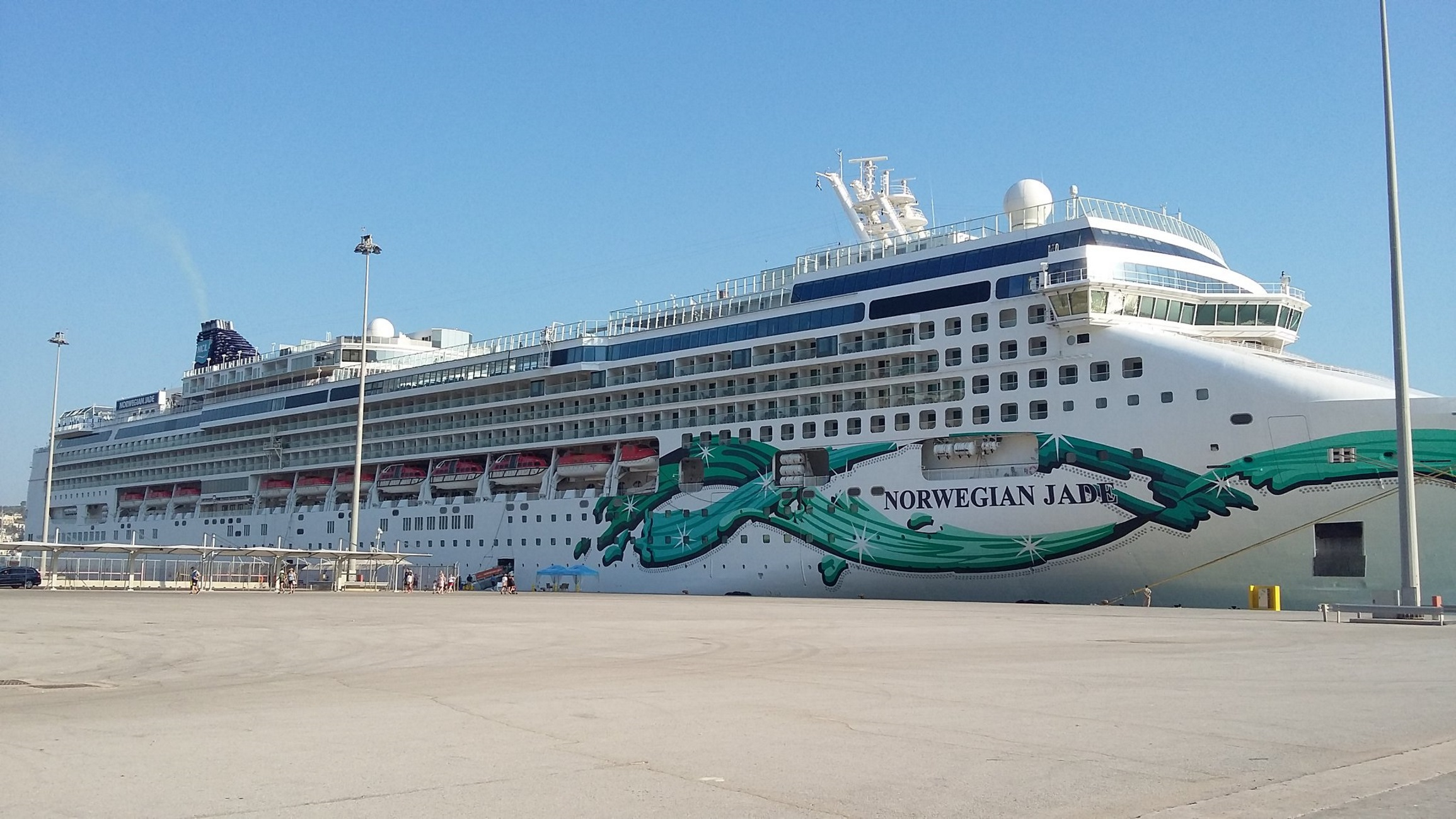 Δυο χλιδάτα κρουαζιερόπλοια στο λιμάνι της Σούδας - Πάνω από 3.600 τουρίστες στα Χανιά