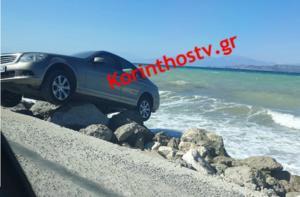 Κόρινθος: Παρκάρισμα για… όσκαρ στην παραλία στο Λέχαιο!