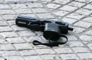 Κρήτη: Ήθελε να μπει στο αεροπλάνο με πιστόλι και σφαίρες