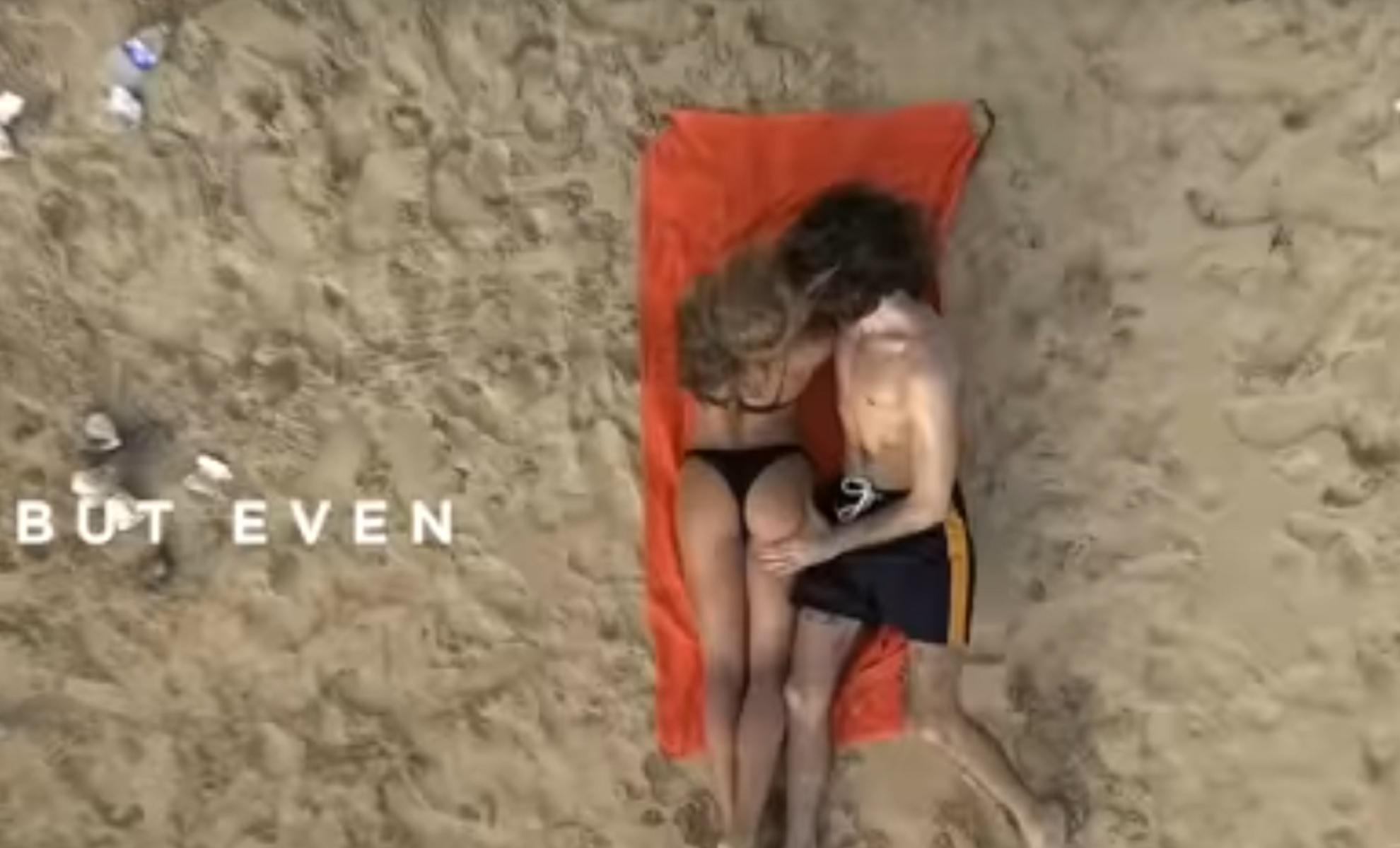 Το πιο... βρώμικο βίντεο από το pornhub για πιο καθαρές παραλίες!