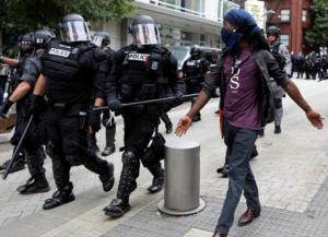 ΗΠΑ: Ευτυχώς… ήρεμα στην «συνύπαρξη»… ακραίων