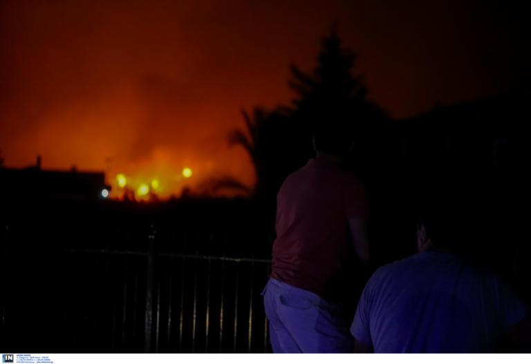 Ψαχνά: Με μπουλντόζες σταμάτησαν την φωτιά προς την πόλη