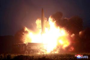 Βόρεια Κορέα: Νέες εκτοξεύσεις βλημάτων αγνώστου τύπου – Σε ετοιμότητα η Νότια Κορέα