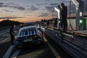24ωρο… μαρτύριο για τη νέα Porsche Taycan [pics]