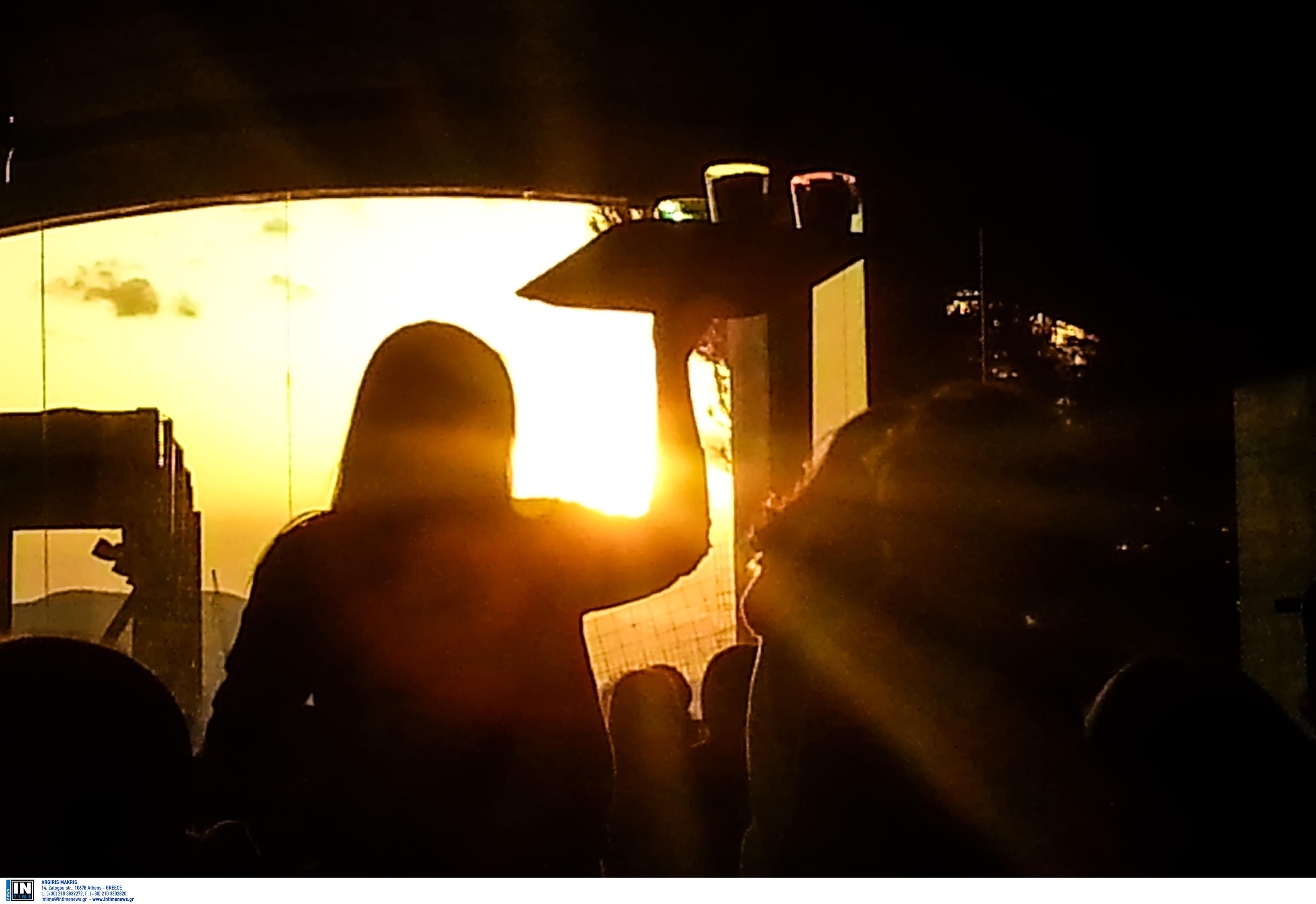 Κρήτη: Η στιγμή της επίθεσης σε ιδιοκτήτρια καφετέριας! Ξύλο πίσω από τον πάγκο (Βίντεο ντοκουμέντο)