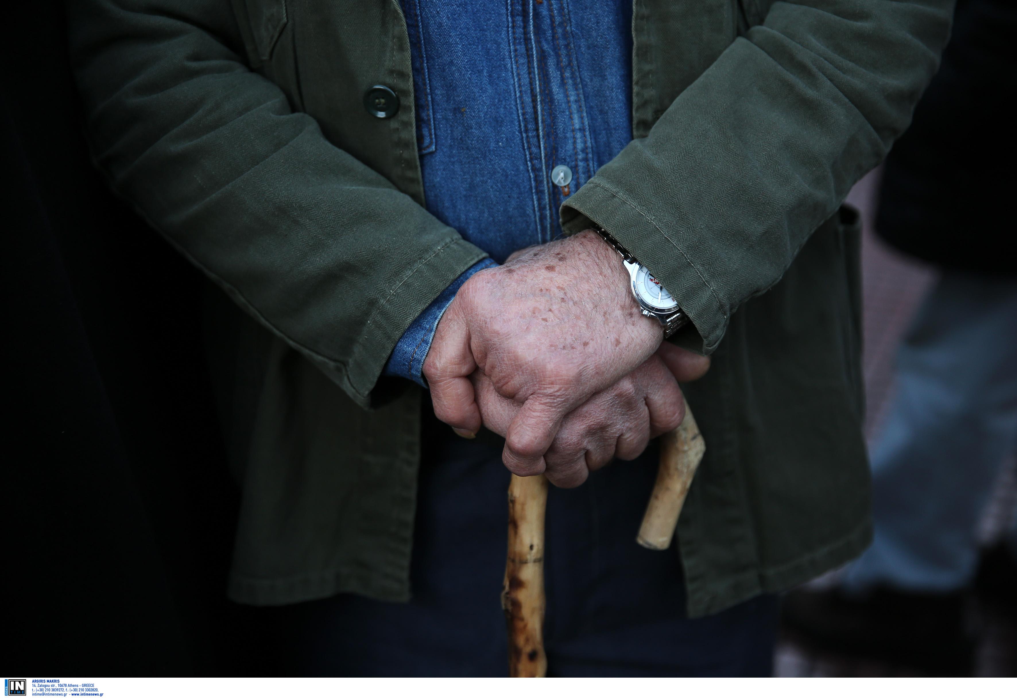 """""""Ζοφερή"""" η κατάσταση για το ασφαλιστικό στην Ελλάδα – Ούτε δύο εργαζόμενοι ανά συνταξιούχο σε λίγα χρόνια! (πίνακες)"""