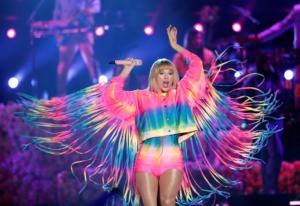 Μυστική συνάντηση της Taylor Swift με θαυμάστριες της στο σπίτι της