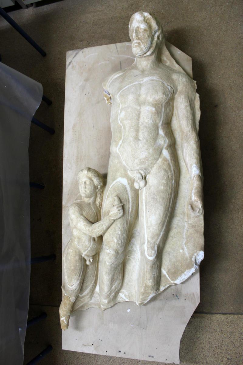 Τήνος: Σπουδαία αρχαιολογική ανακάλυψη! Βρήκαν επιτύμβιες στήλες από την κλασική εποχή! Εντυπωσιακές εικόνες