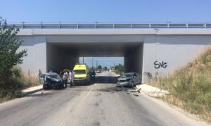 Τρίκαλα: Σοκαριστικό τροχαίο με δύο σοβαρά τραυματίες [pics]