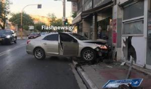 Χανιά: Αυτοκίνητο μπούκαρε μέσα σε βιτρίνα καταστήματος