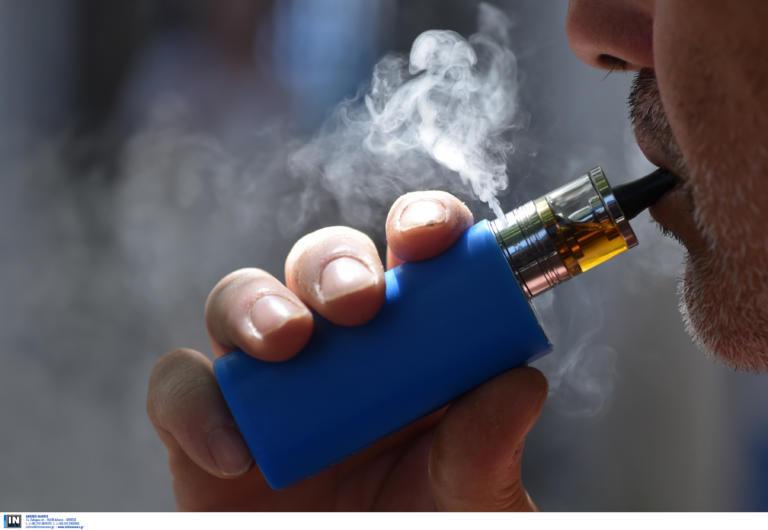 Συναγερμός για το ηλεκτρονικό τσιγάρο! Προσοχή στις αγορές υγρών λένε οι αρχές στις ΗΠΑ