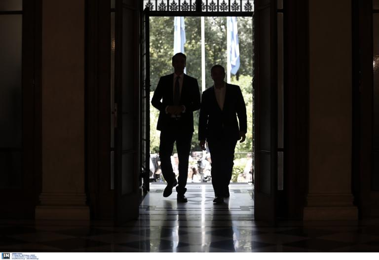 Δημοσκόπηση: Έτσι «εκτοξεύεται» η διαφορά! «Αιμορραγεί» ο ΣΥΡΙΖΑ προς... ΝΔ μεριά