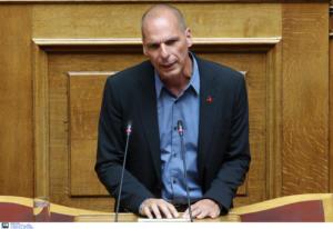 Βαρουφάκης: Επίθεση σε ΝΔ – ΣΥΡΙΖΑ για επιτελικό κράτος και ΕΥΠ