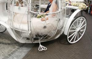 Βόλος: Το γαμήλιο γλέντι είχε απρόοπτα – Οι ύποπτες κινήσεις των «μουσαφήρηδων» δεν πέρασαν απαρατήρητες