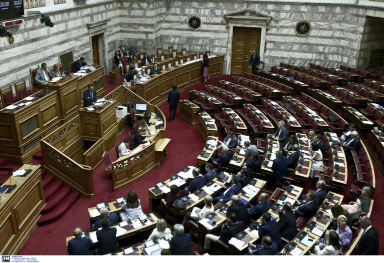 Τροπολογία Βρούτση: Πλαφόν 4.608 ευρώ σε όλες τις συντάξεις