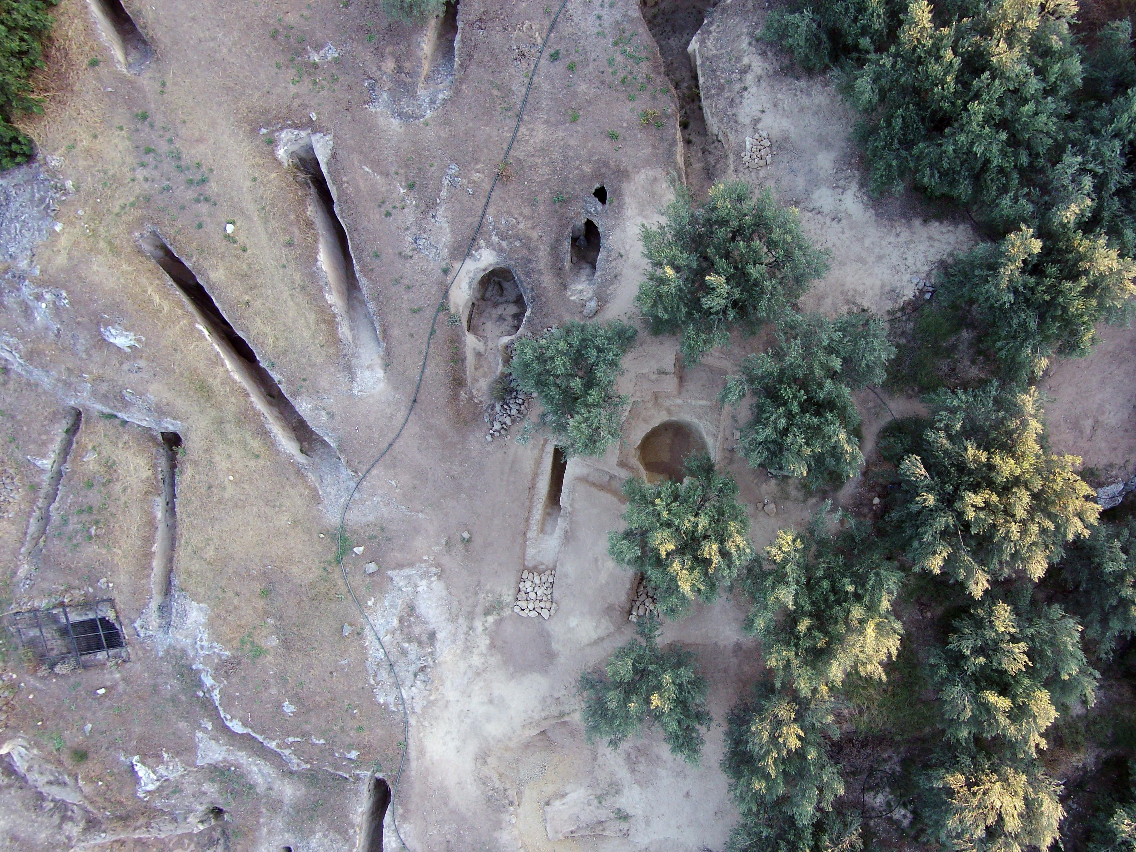 Βρήκαν ασύλητους τάφους από την εποχή των μυκηναϊκών ανακτόρων! Δείτε εικόνες