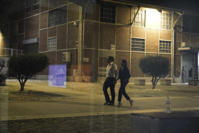 Θεσσαλονίκη: Χέρι χέρι Αλέξης Τσίπρας και Μπέτυ Μπαζιάνα – Τα στιγμιότυπα που συζητήθηκαν [pics]