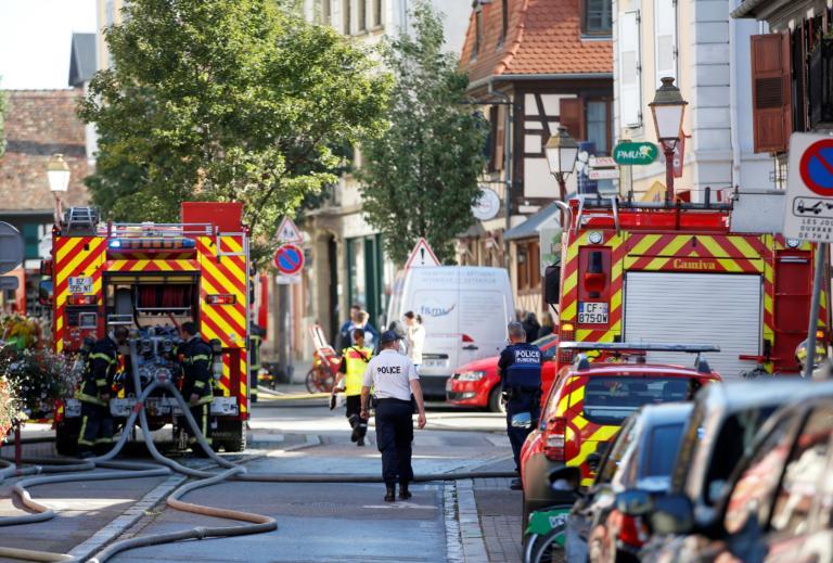 Γαλλία: Έριξε σκόπιμα το αυτοκίνητό του σε τέμενος!