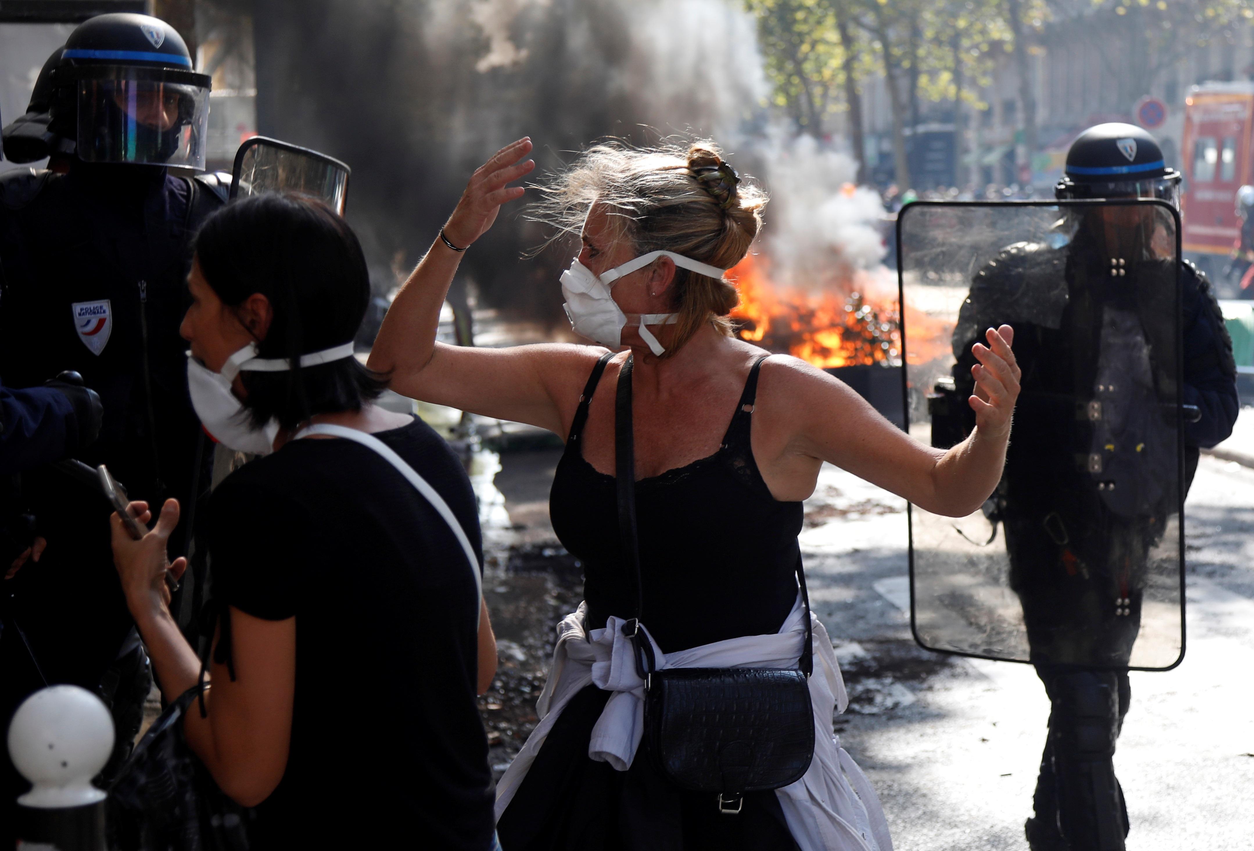"""Παρίσι: Πάνω από 100 συλλήψεις διαδηλωτών των """"κίτρινων γιλέκων"""""""