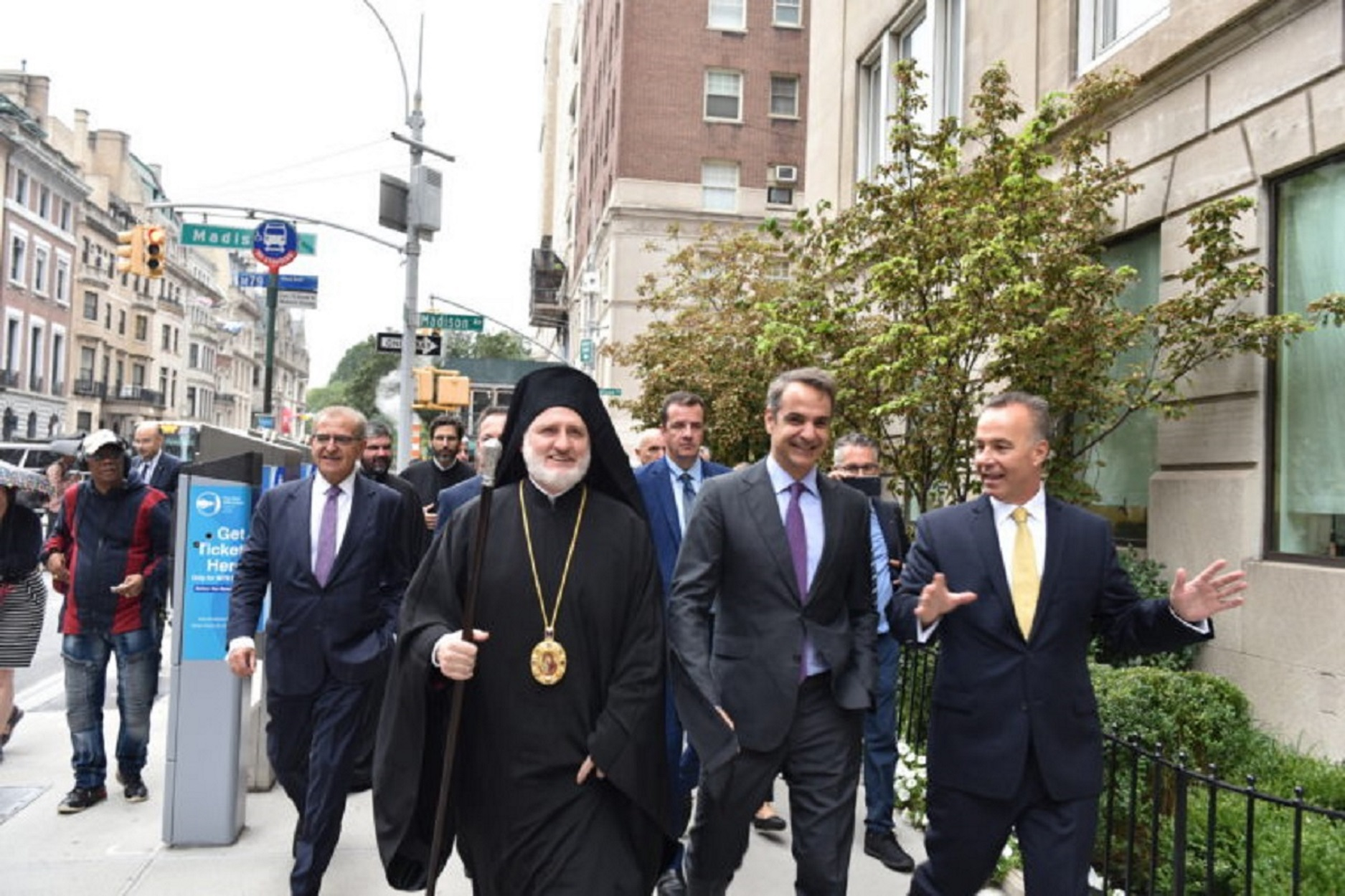 Μητσοτάκης και Αρχιεπίσκοπος Ελπιδοφόρος μαζί στο Ground Zero – Ξενάγηση στον Άγιο Νικόλαο