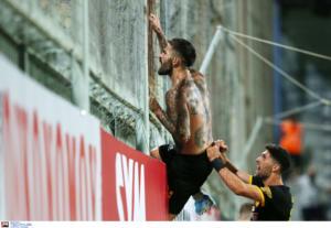 """Αστέρας Τρίπολης – ΑΕΚ: Για τα… σίδερα! """"Τρελό"""" διπλό με απίστευτο πάθος"""