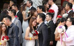 Μαλαισία: 99 ζευγάρια παντρεύτηκαν την 9η του 9ου μήνα του έτους