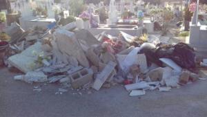 Σχιστό: Εικόνες ντροπής στο νεκροταφείο – Σοκαριστικές φωτογραφίες!