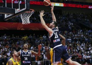 """Μουντομπάσκετ 2019 – Εθνική Ελλάδας: Ο Παπαγιάννης """"κάρφωσε"""" τους Βραζιλιάνους! video"""