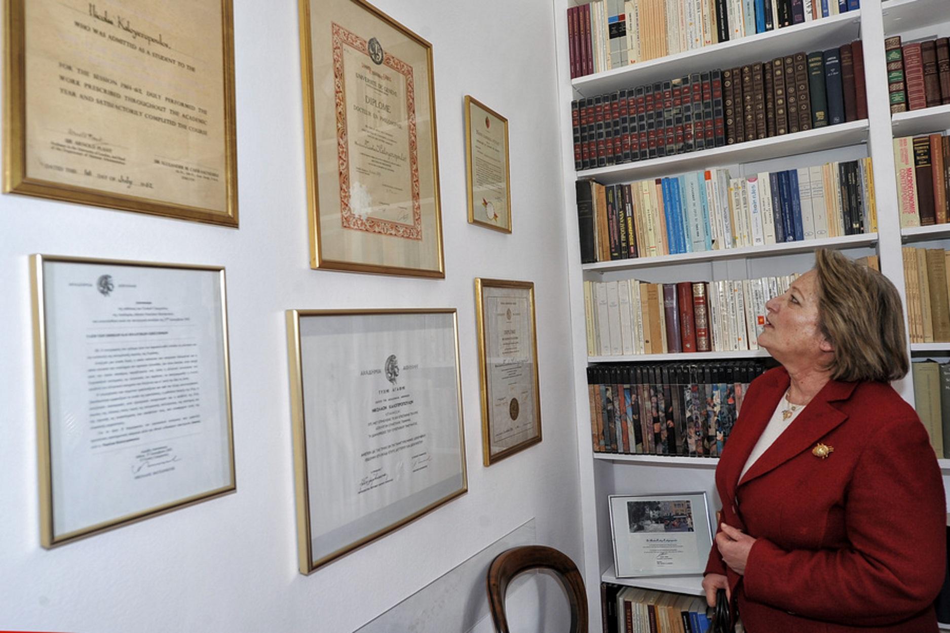 Βραβείο για την Σίσσυ Παυλοπούλου – Οι συγκλονιστικές εξομολογήσεις Χούκλη, Τσόκλη, Βιτάλη!