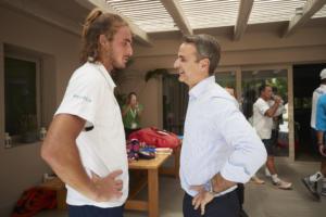 Ο Τσιτσιπάς θα παίξει αγώνα τένις με τον Κυριάκο Μητσοτάκη! video, pics