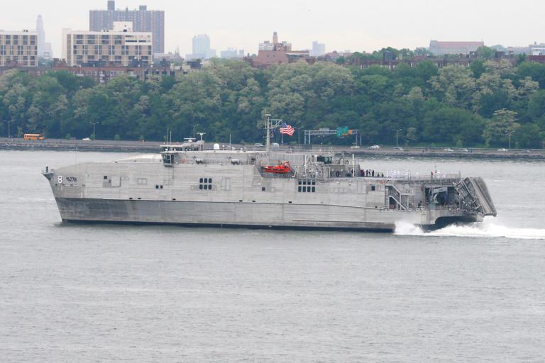 Συναγερμός στη Μαύρη θάλασσα – Αμερικανικό πλοίο σε περιοχή ελέγχου της Ρωσίας [vid]