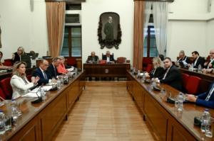 Βουλή: Ψηφίστηκαν αλλαγές για την Αρχή Διαφάνειας