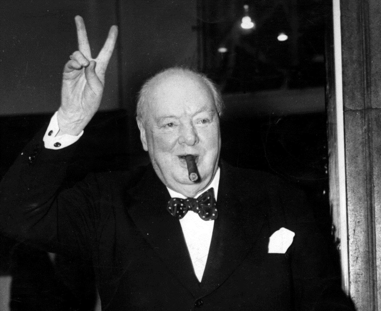"""Ουίνστον Τσόρτσιλ: 30 εύστοχες ατάκες από τον """"μεγαλύτερο Βρετανό όλων των εποχών"""""""