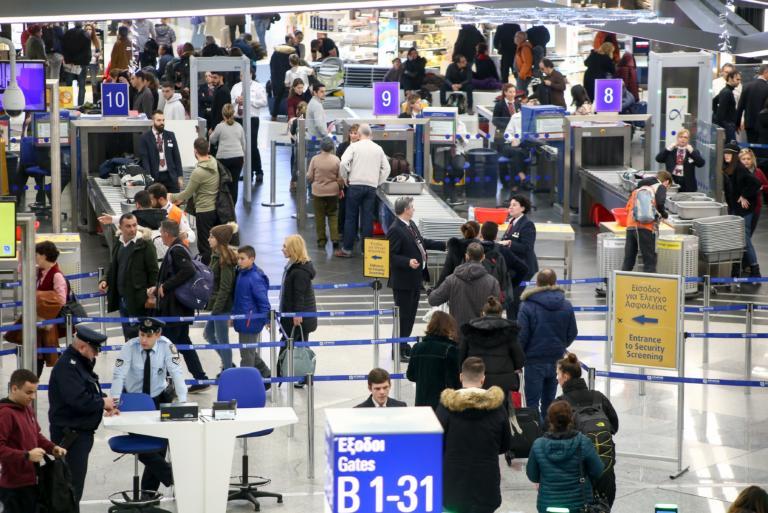 Έρευνα: Μία στις τρεις πτήσεις στην Ελλάδα καθυστερούν ή ακυρώνονται