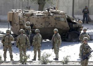 Αφγανιστάν: 9 πρώην Αμερικανοί πρέσβεις κατά της αποχώρησης του στρατού των ΗΠΑ