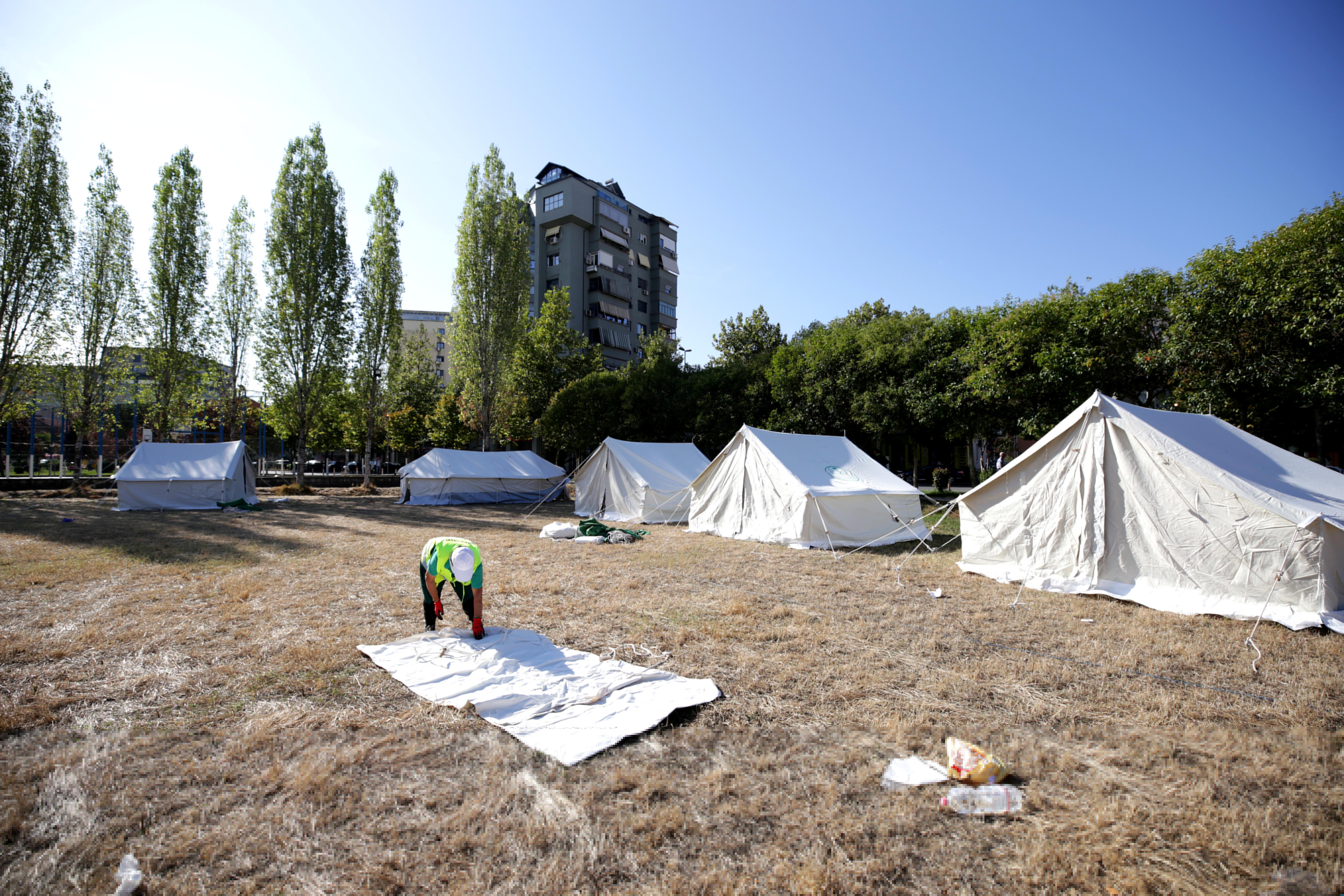 Ανθρωπιστική βοήθεια από την Ελλάδα στην Αλβανία